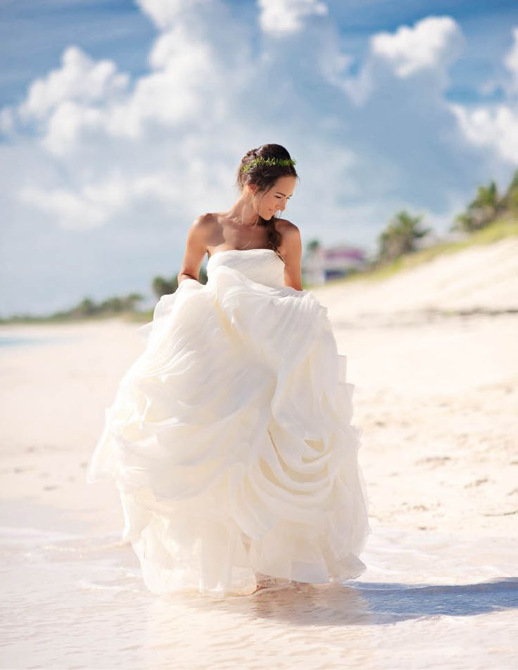 75 best vera wang real weddings images on pinterest short wedding vera wang diana dream wedding dressesvera junglespirit Gallery