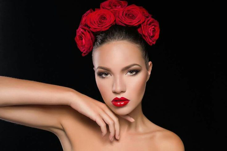 Make-up: Corina Tudor  Model: Irina Photo: Bogdan Teodorov  Assistant : Andra Teodorov  #passion #redlips #redroses #makeup #shooting #beauty #makeupartist #CorinaTudor