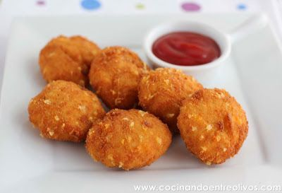 Cocinando entre Olivos: Nuggets de pollo y queso caseros. Receta paso a paso.: