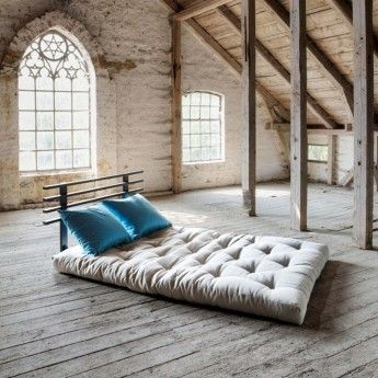 Organisk Tradisjonell Futon 7,5 cm. Veldig lav futon laget i gammel japansk stil som støtter kroppen din mens du sover.