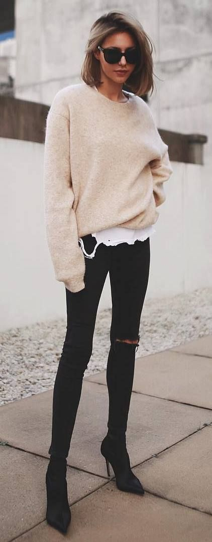 what+to+wear+with+a+nude+sweater+:+skinny+jeans+++boots