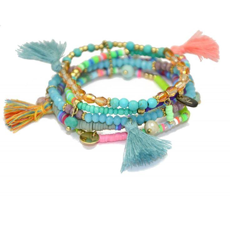 Bracelet coloré pour l'été.