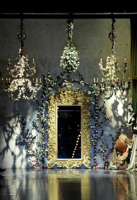 Baroque chandeliers and mirror on the theatrical runway at Dolce and Gabbana Fall-Winter 2012 #lampadari #chandeliers #interiordesign - More wonders at www.francescocatalano.it