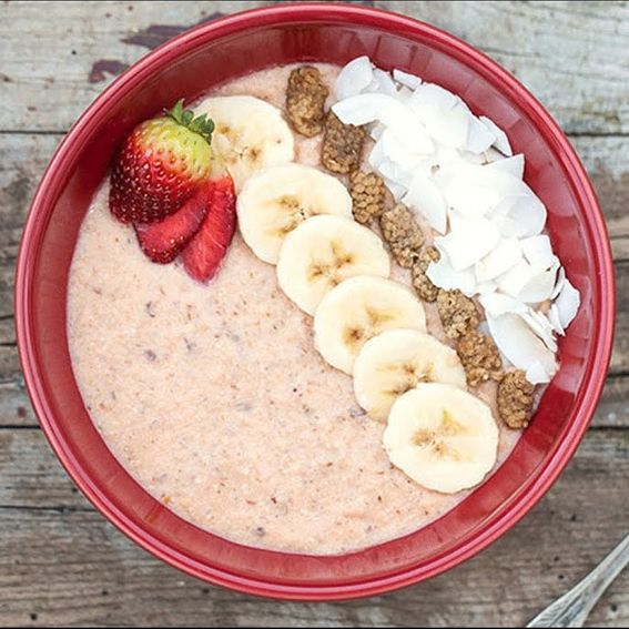 طريقة عمل وجبة الافطار غنية بالبروتين بدون مكملات طريقة عمل الشوفان بالفواكه للتضخيم Food Oatmeal Breakfast
