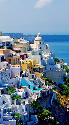 View of Fira town, Santorini, Greece | 25 Gorgeous Pictures Of Greece That Will Take Your Breath Away