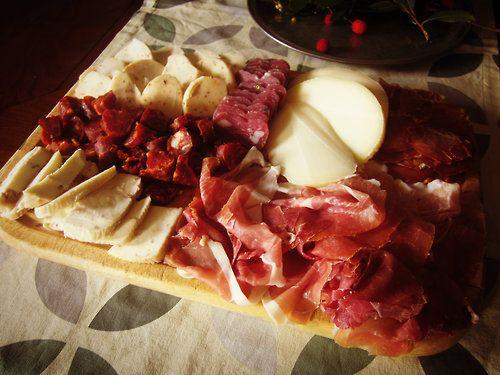 Tagliere di salumi e formaggi molisani #tagliere #molise #food #cibo #antipasto #italia