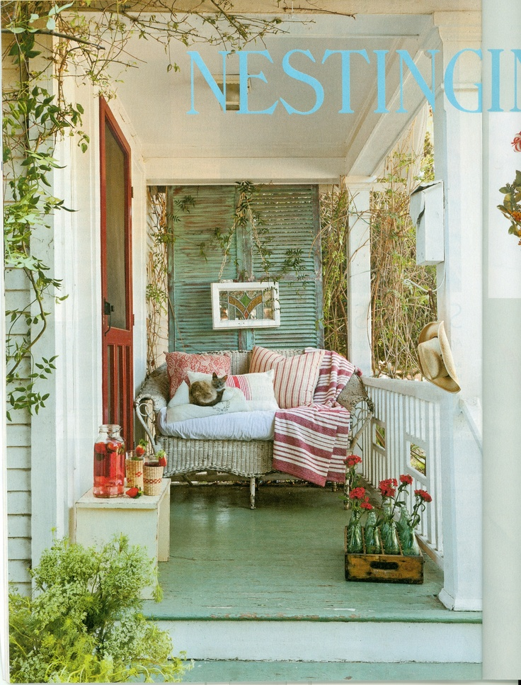 Porch romantic prairie style magazine small cottage for Cottage design magazine