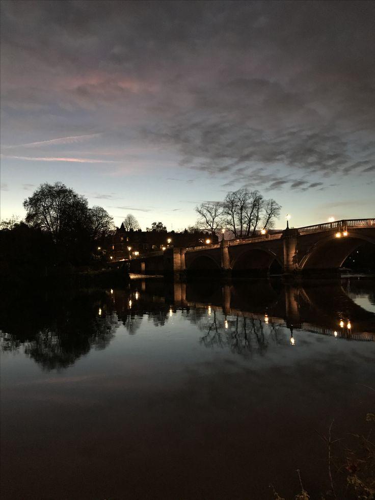 Richmond, London #nonfilter #richmondbridge #uk #landscapephotography #london #thames #autumn2017 #reflections