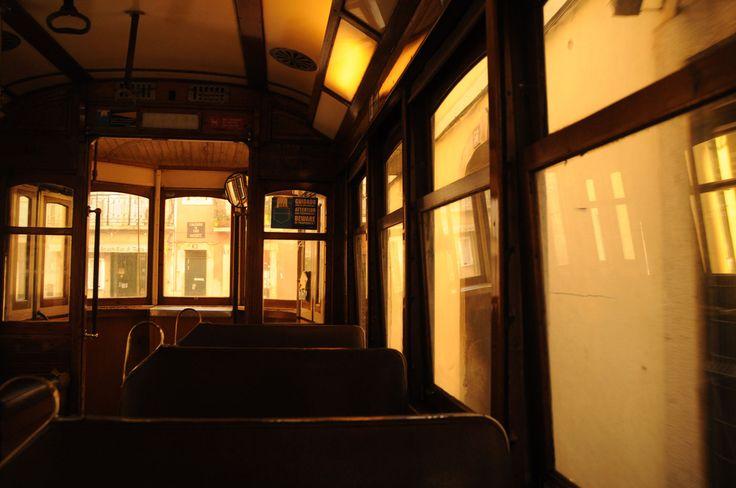 Weihnachten in Lissabon in Portugal: Die Fahrt mit der Tram Linie 28, ein Spektakel
