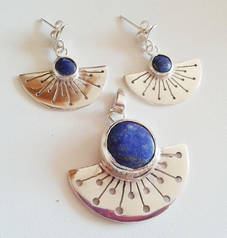 Conjunto de aros y colgante de plata y lapislázuli