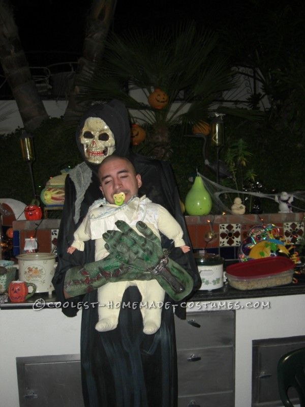 funny homemade illusion costume alien baby abductor - Aliens Halloween Costume Baby