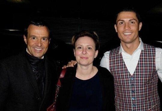 Atacante português convida viúva de jogador que se tornou símbolo da luta contra a Esclerose Lateral Amiotrófica (ELA) para assistir à partida na França