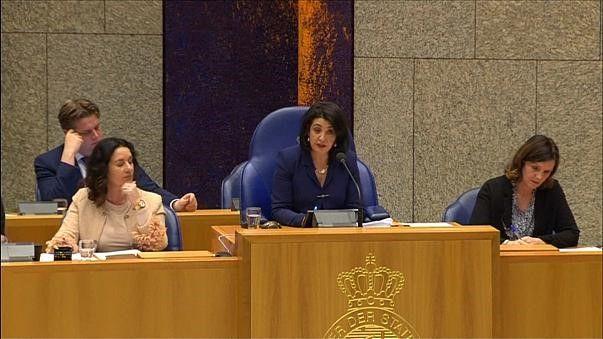 Le Parlement néerlandais a reconnu jeudi le génocide arménien de 1915. Une décision qui a provoqué la colère d'Ankara qui a aussitôt...