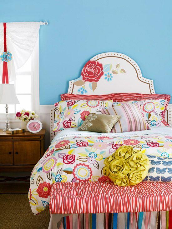 Teenage bedroom? Totally cute.Wooden Headboards, Painting Headboards, Headboards Ideas, Chic Headboards, Diy Headboards, Painting Floral, Floral Headboards