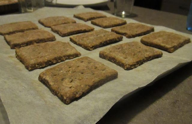 FORNELLI IN FIAMME: HOMEMADE CRACKERS YEAST FREE WITH FLOUR, OATS, BUC...