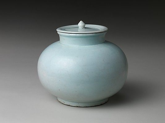 (Korea) Blue Porcelain Jar with lid Joseon Kingdom (1392–1910). ca 19th century CE. Korea culture.