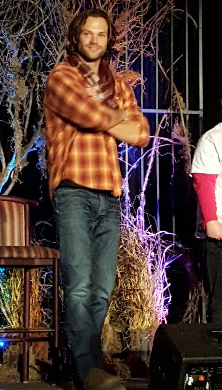 """admiringjaredpadalecki: """" Jared Padalecki at #VegasCon Main Panel © """""""