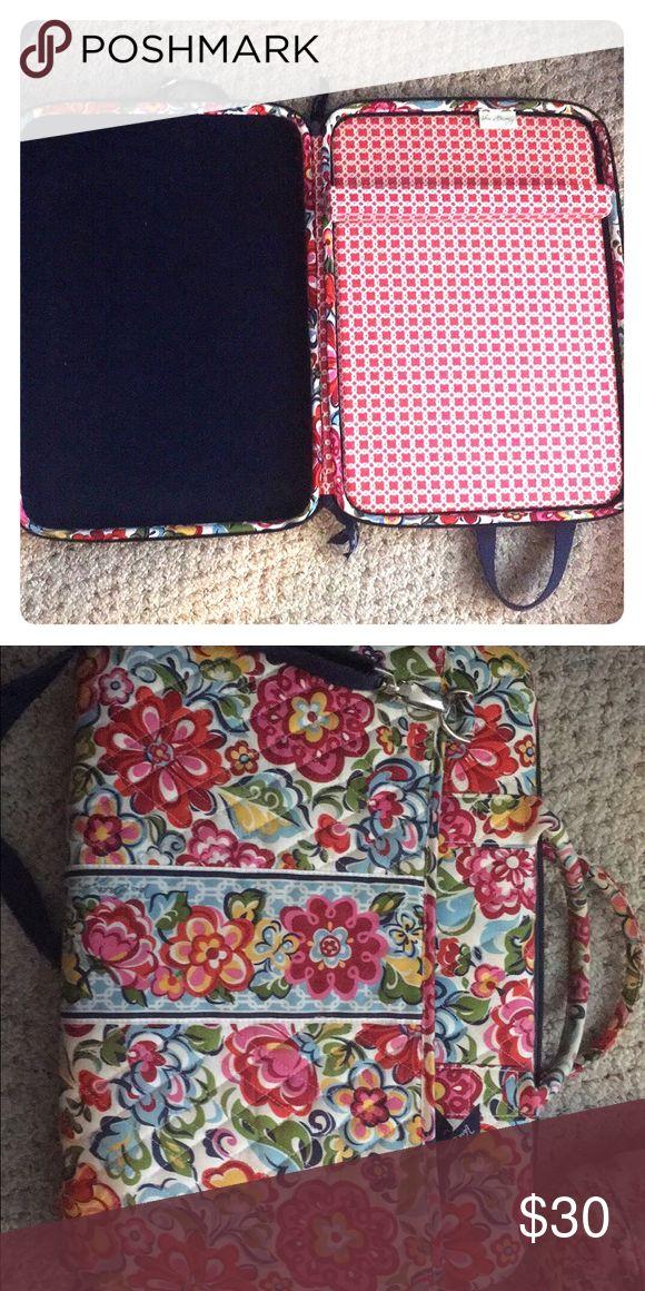 Vera Bradley laptop bag Cute floral Vera Bradley laptop bag, good condition, with strap Vera Bradley Accessories Laptop Cases