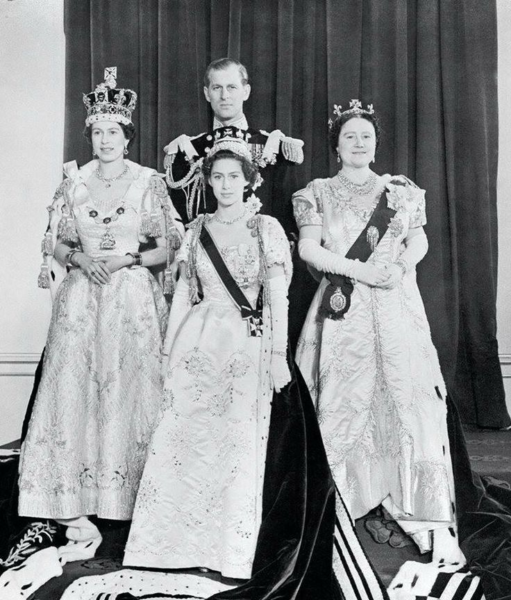 Coronation of Queen Elizabeth II~ FAMILY PORTRAIT~ HM the Queen, Prince Philip, Queen Elizabeth, the Queen Mother, and Princess Margaret.