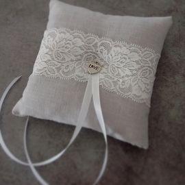 Coussin alliance gris ruban de fleurs grises