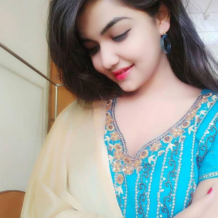 Pakistani girl pic hearts