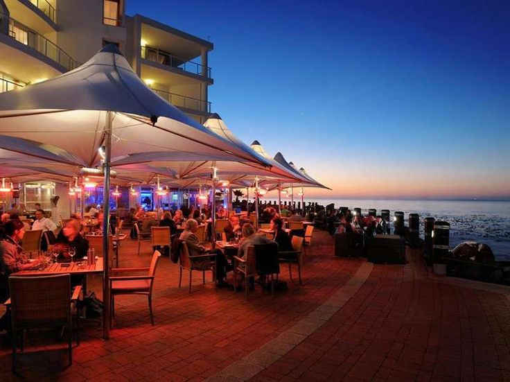 Dinner by the water sounds nice. #beauty #travel #explore    goo.gl/DxDrl1