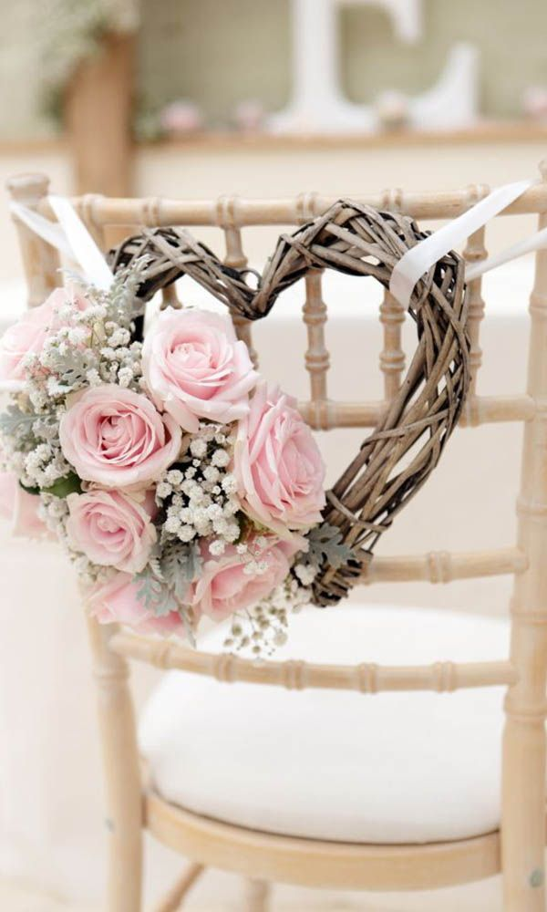Simply Chic Wedding Flower Decor Ideas ❤ See more: http://www.weddingforward.com/simply-chic-wedding-flower-decor-ideas/ #wedding #bride