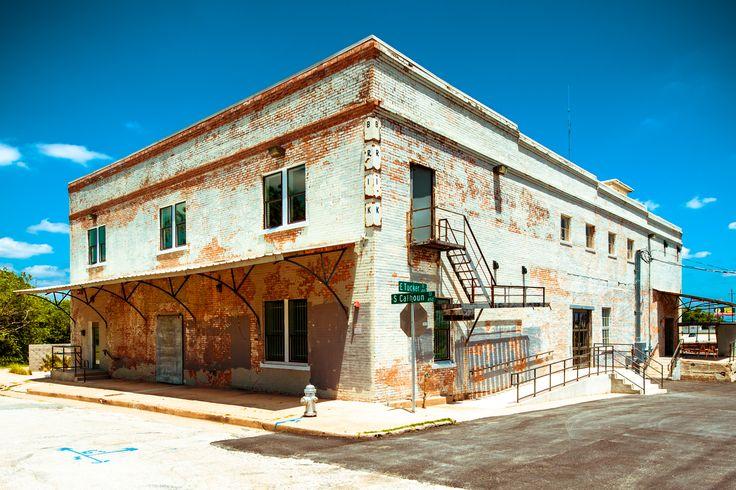BRIK Venue   Weddings   Events   Fort Worth   Texas Weddings   Graffiti   Industrial   Warehouse   Brick   Fire escape   PHOTOconcepts