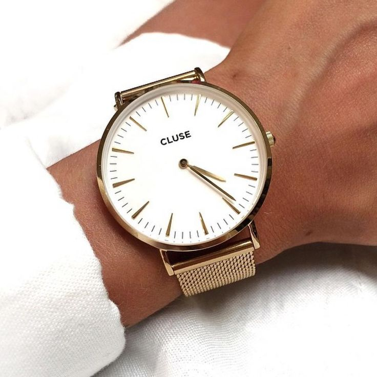 Next on the list La Bohème Mesh in gold #cluse #watch #minimal