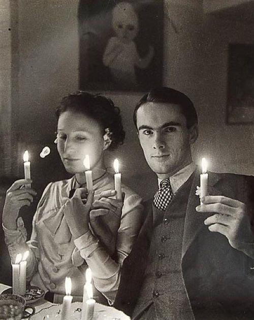 Eva Besnyö, Joodse bruiloft Rachel Louise Pellekaan en Edgar Fernhout, Bergen, 1934