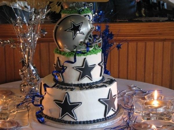 Dallas Cowboys Cake!