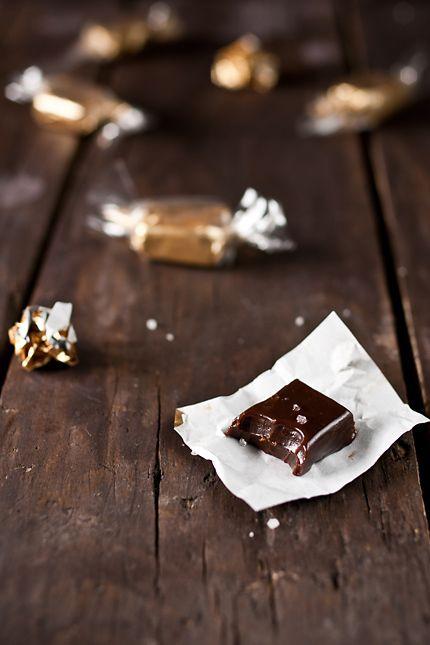 Salted Chocolate & Honey Caramels: Chocolates Caramels, Caramels Foodgawker, Salted Chocolate, Honey Caramels, Chocolate Caramels, Caramel Recipes