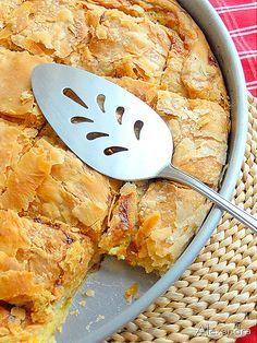 Κολοκυθόπιτα γλυκιά με πράσινο κολοκύθι - Sweet pita with zucchini @magyreuontas.blogspot.gr