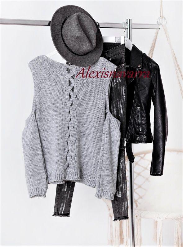 leather jacket | sweater | hat    Zawsze modna szafa - poznaj sekret!