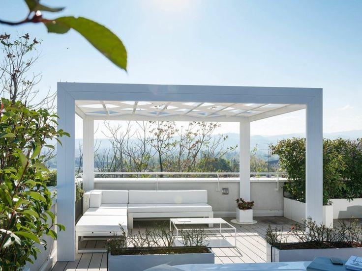 aménagement de jardin avec pergola blanche