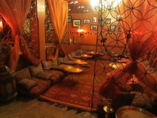 salon marocain trés traditionnel