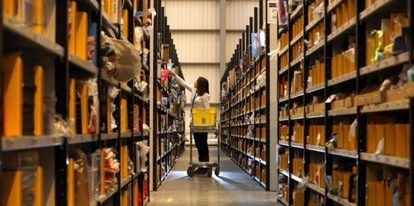 """Amazon: le dure condizioni di lavoro nell'inchiesta del New York Times: """"Turni di 80 ore a settimana, crisi di pianto e #amazon #lavoro"""