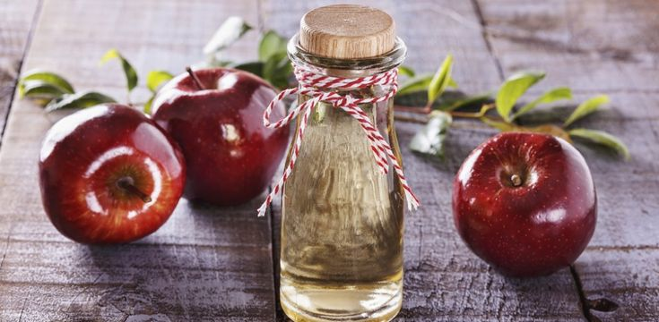 Schnelle Hilfe gegen Kopfschmerzen und Durchfall: Apfelessig ist ein gefragtes Hausmittel. Doch er kann noch mehr: Apfelessig soll auch beim Abnehmen helfen...