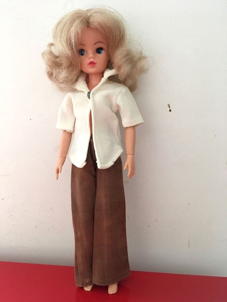Sindy Doll - long Blonde Hair - Active Body - 033055X - 1970's/80's