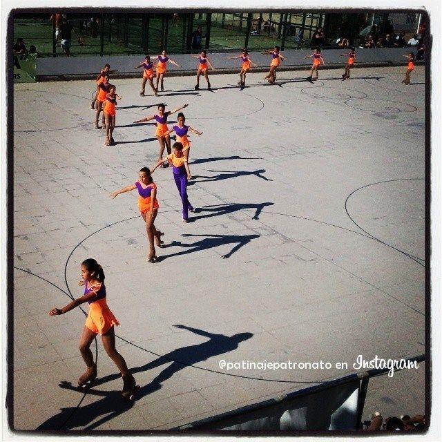 Desfile de patinadores de la Escuela del Patronato. Foto para Instagram (encuéntranos como @patinajepatronato).