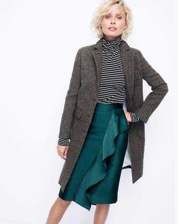 The J.Crew women's collection topcoat. A top-of-the-line topcoat. Crafted in handwoven Harris tweed fabric from a world-famous, centure-old Scottish mill. Because a coat's for life, not just for the holidays.