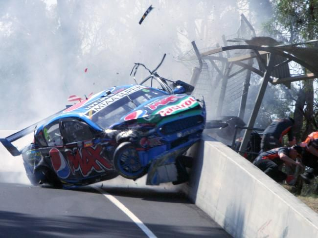 Bathurst 1000: Qualifying abandoned after Chaz Mostert breaks arm, leg in horror crash | DailyTelegraph