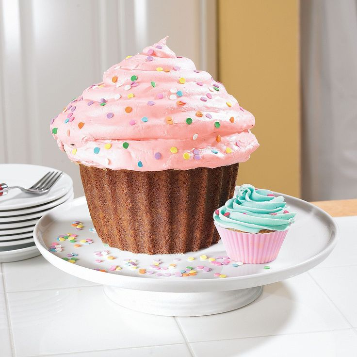 Big Top Cupcake. Well, this looks kinda fun. And my kids have seen the television ad at least 25 times over the last week while watching Calliou on PBS Sprout and rationalized its entertainment vs....