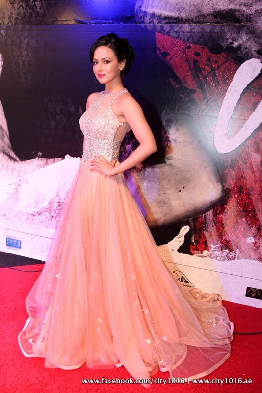 Sana Khan poses during the redcarpet of Jai Ho film premiere at Dubai.