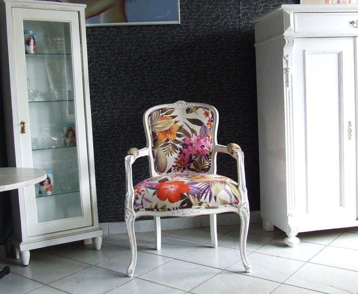 /Fotel w stylu Ludwika Filipa/ /flok w kwiaty/ /wykończenie SHABBY CHIC/ /www.pracownia-lili.pl/