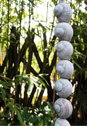 Jardin d'Eguilles – Max Sauze Another cool idea for a rain chain.
