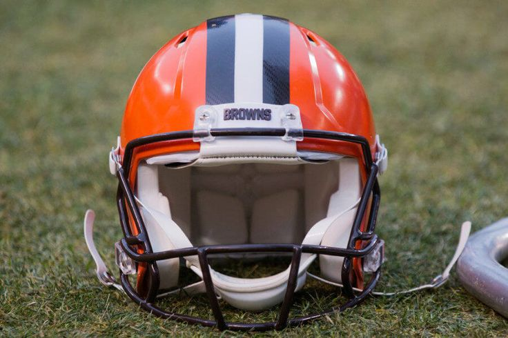 """Sashi Brown says Browns feel good about keeping No 1 overall pick = According to NBC's Pro Football Talk and Michael David Smith, Cleveland Browns GM Sashi Brown said that the team has talked with other clubs about trading the No. 1 overall pick in the draft. However, Brown reportedly said: """"We have received calls. We feel….."""