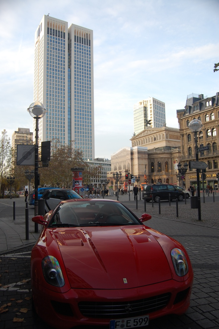 affluence present in the streets of the city of European Central Bank and Deutsche Bank ... that is skyscrapers, Ferraris and luxury shopping in Frankfurt