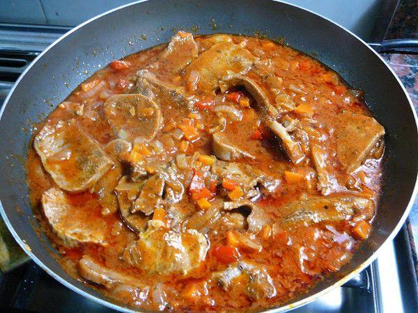 Ingredientes 1 Lengua De Res 2 Cebollas 2 Tomates Maduros 1 Pimentón Picado En Tiritas 3 Dientes De Ajo Mac Lengua De Res Carne De Res Guisada Recetas Con Res