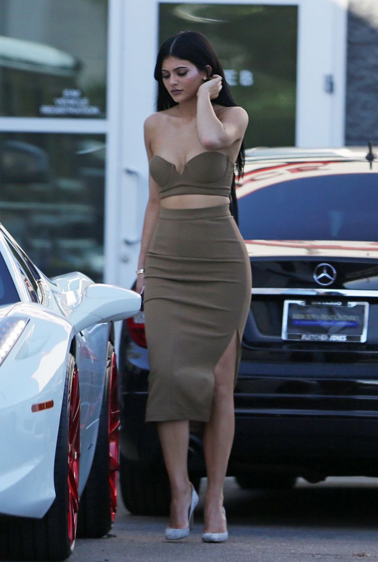 kylie-jenner-style-out-in-woodland-hills-october-2015_11.jpg (1280×1905)